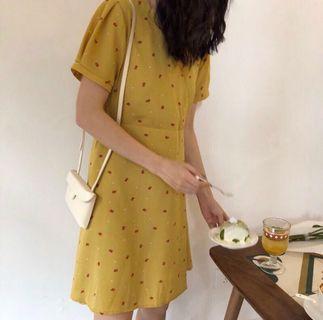 小鬱金香V領洋裝
