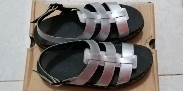 Dr.martens sandal