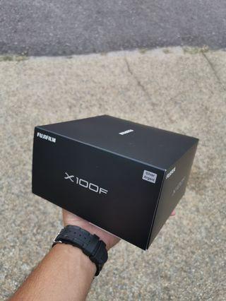 Fujifilm X100F mirrorless rangefinder