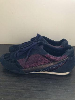 Coach深藍色金屬邊飾球鞋