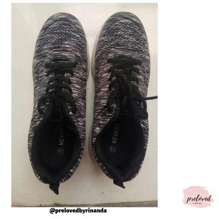 #visitsingapore #joinoktober // sepatu Nevada