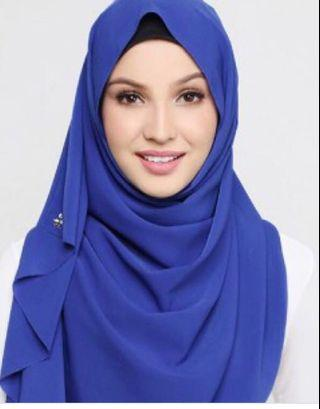 [reduced price] 💯 authentic Duck Scarves in cobalt (mixed crepe)