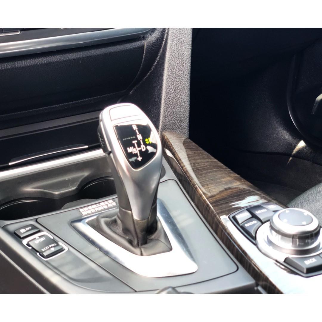2012年 BMW F30 328i