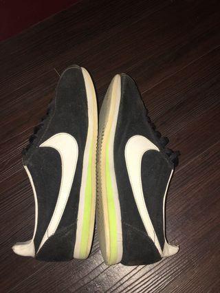 Nike 啊甘鞋