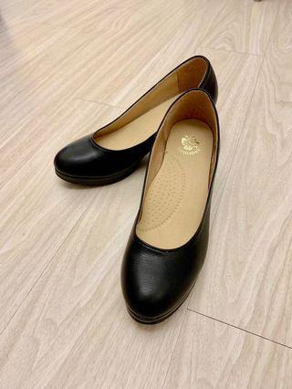 面試上班必備 中跟6公分 圓頭跟鞋 黑色高跟鞋