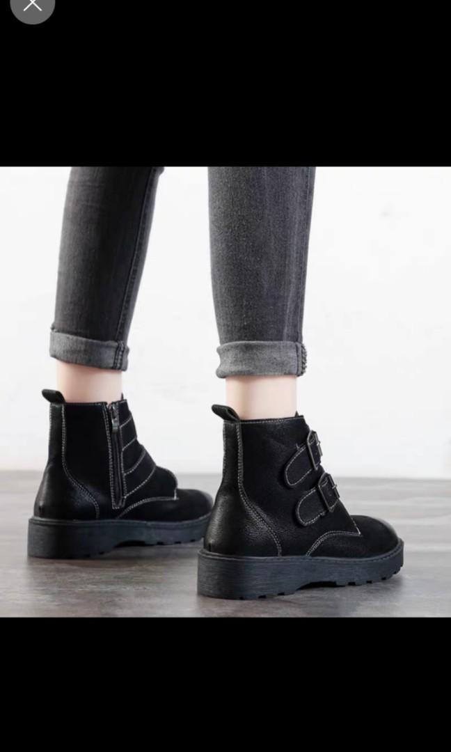 韓款百搭款短靴