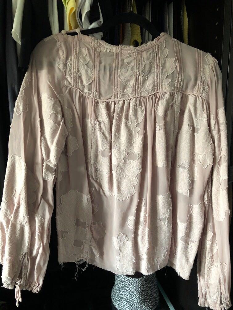 Aritzia Wilfred Lourdes blouse Camille light pink Small