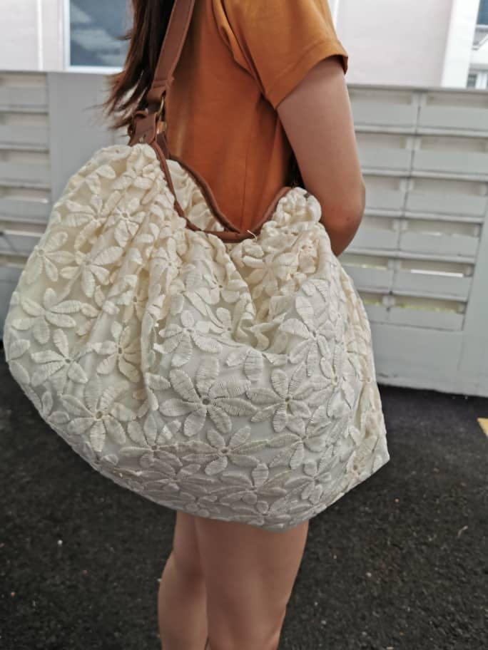 Claire's Women Wanita Vintage Bohemian Style Flower Bunga Floral Lace Petal Pattern With Leather Handle Carry Bag Handbag