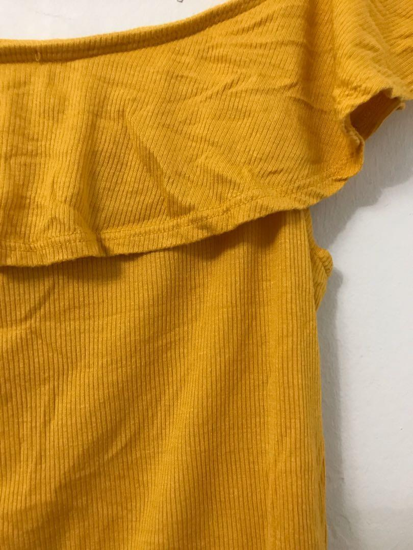 FOREVER 21 Yellow Off-shoulder Frilled Top - SMALL