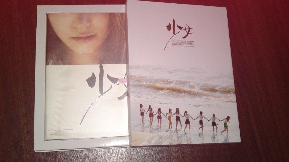 GIRLS GENERATION SNSD OFFICIAL PHOTOBOOK ULTRA RARE