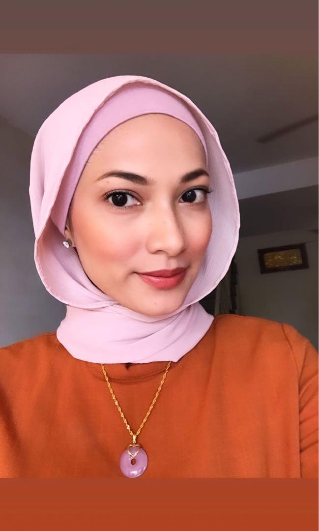 Hijab stylist