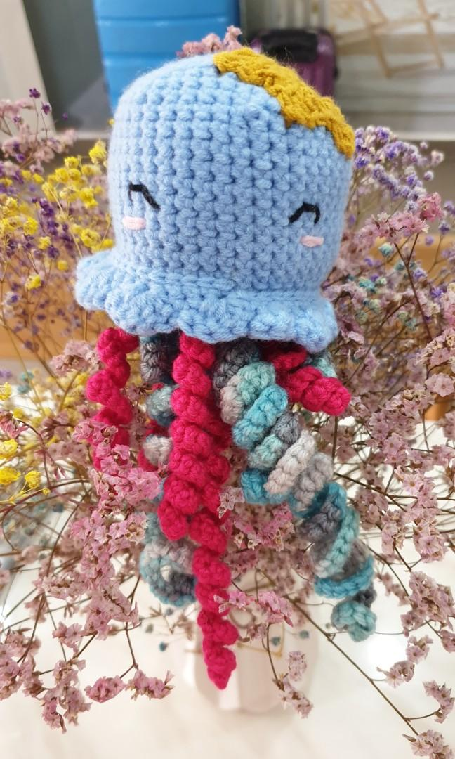 Jellyfish crochet for preemie/ baby