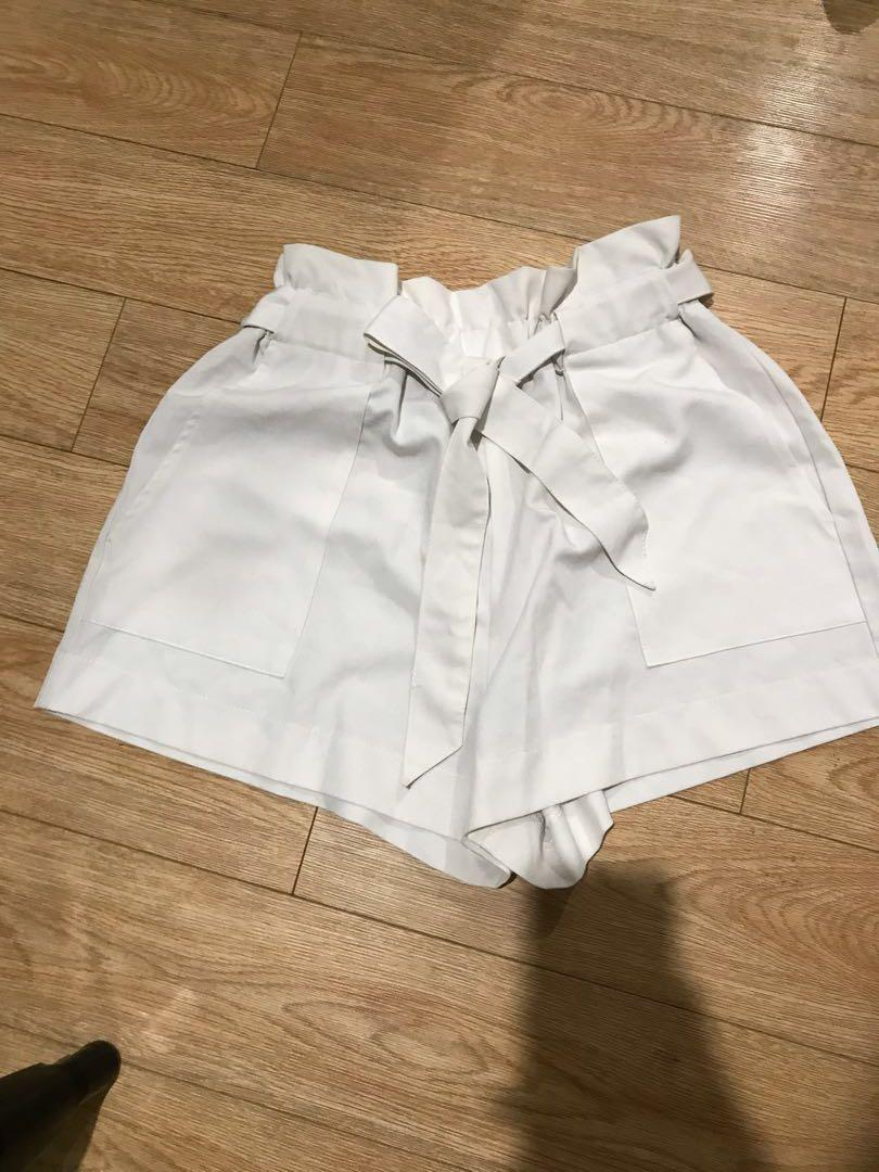 Luvalot size 10 white paper bag high waisted shorts