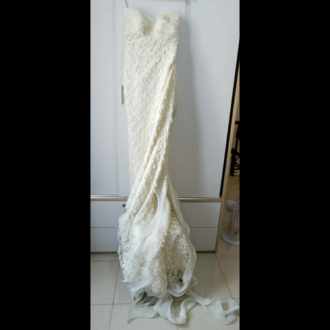 MURAH BANGED!!! ELEGANT WEDDING GOWN ,HALF MERMAID,VERY PRETTY!!