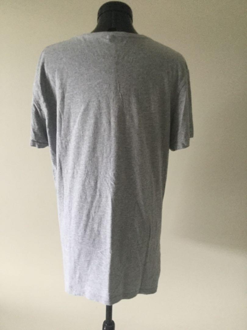 Pokémon T-shirt Size M