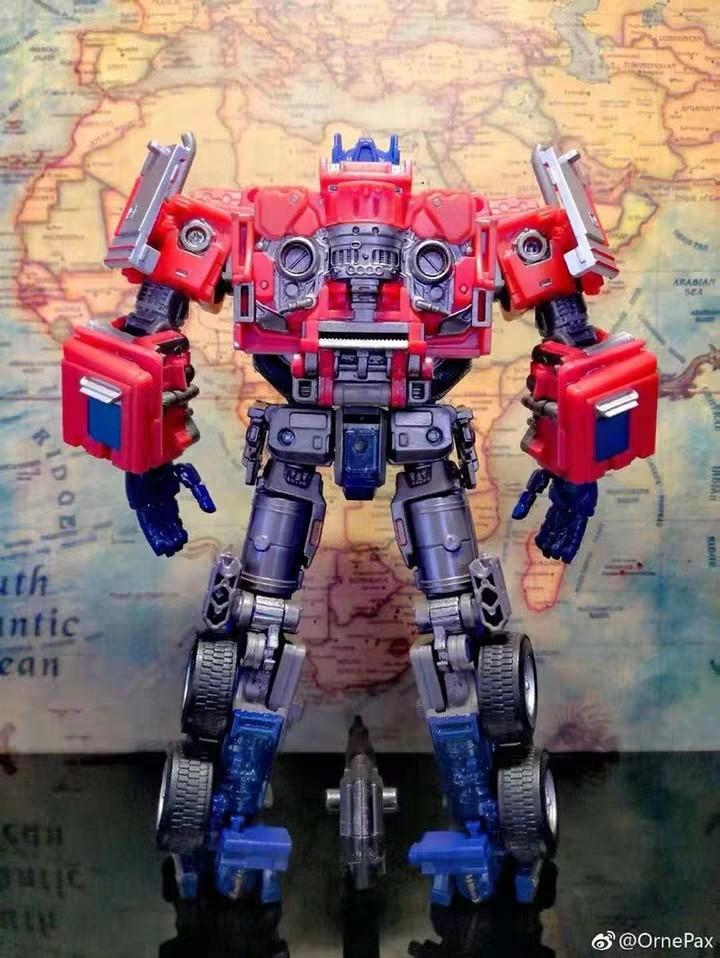 Weijiang SS38 optimus prime extra Large size with alloy