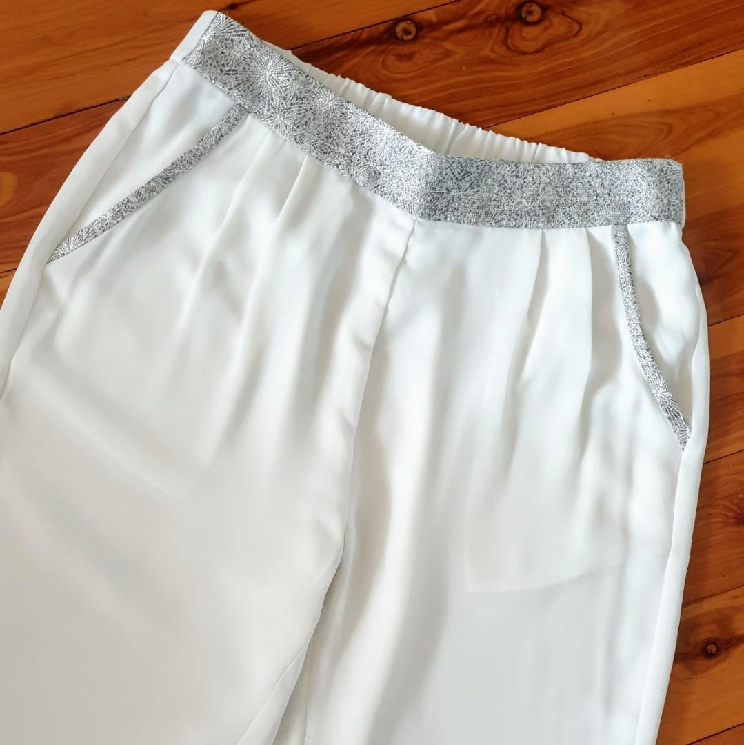 Women's size S 'ELLIATT' Stunning white elastic waist dress pants trousers with silver trim- AS NEW