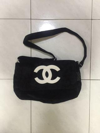 Chanel sling bag (price reduced)