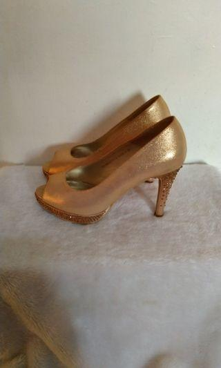 Effie(阿瘦) 魚口高跟鞋23.5號