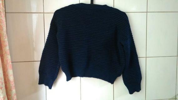 二手 深藍色短版針織上衣