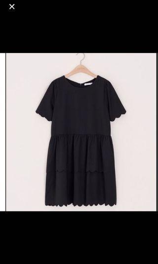 Pazzo 花瓣邊洋裝-黑色
