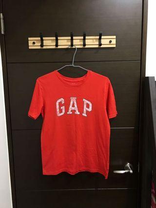 Gap紅色刷舊短袖