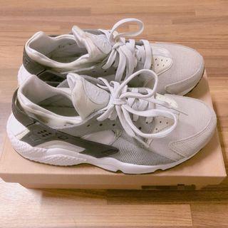 NIKE灰色武士鞋