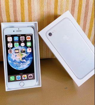 Iphone7  128G  女用 便宜出售 附送6個手機殼