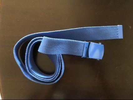 Vii&co.購入的寶藍色帆布腰帶 皮帶