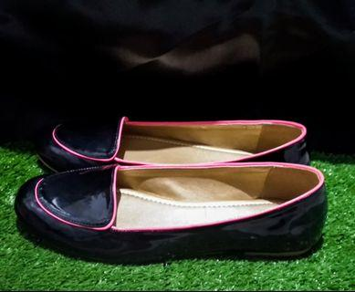 Black Pink Flat Shoes