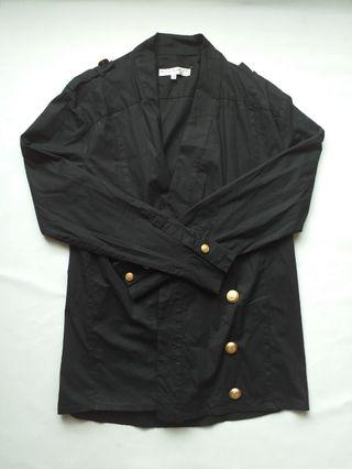 041 Outer Hitam