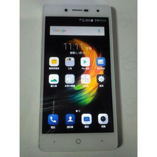 台哥大TWM Amazing A30 四核心 5吋 4G LTE 智慧型手機,安卓7.0,功能都正常,只賣1400元