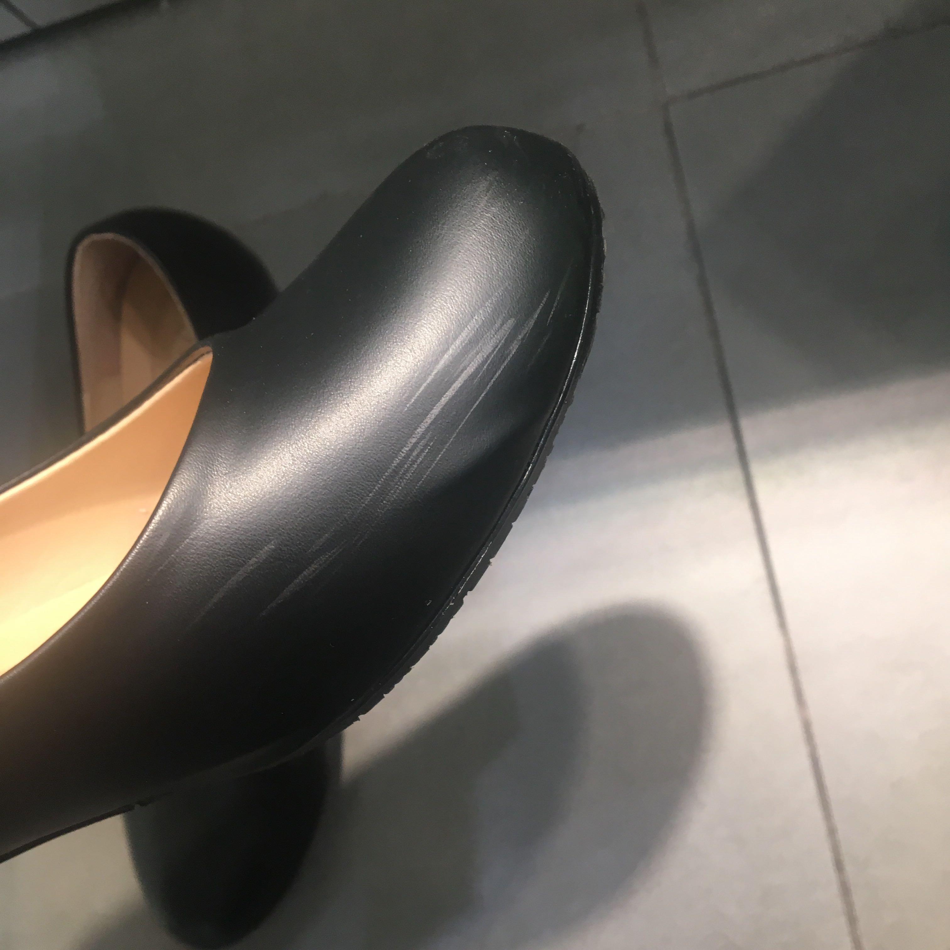 黑色高跟鞋-跟約四公分 (尺寸23.5)