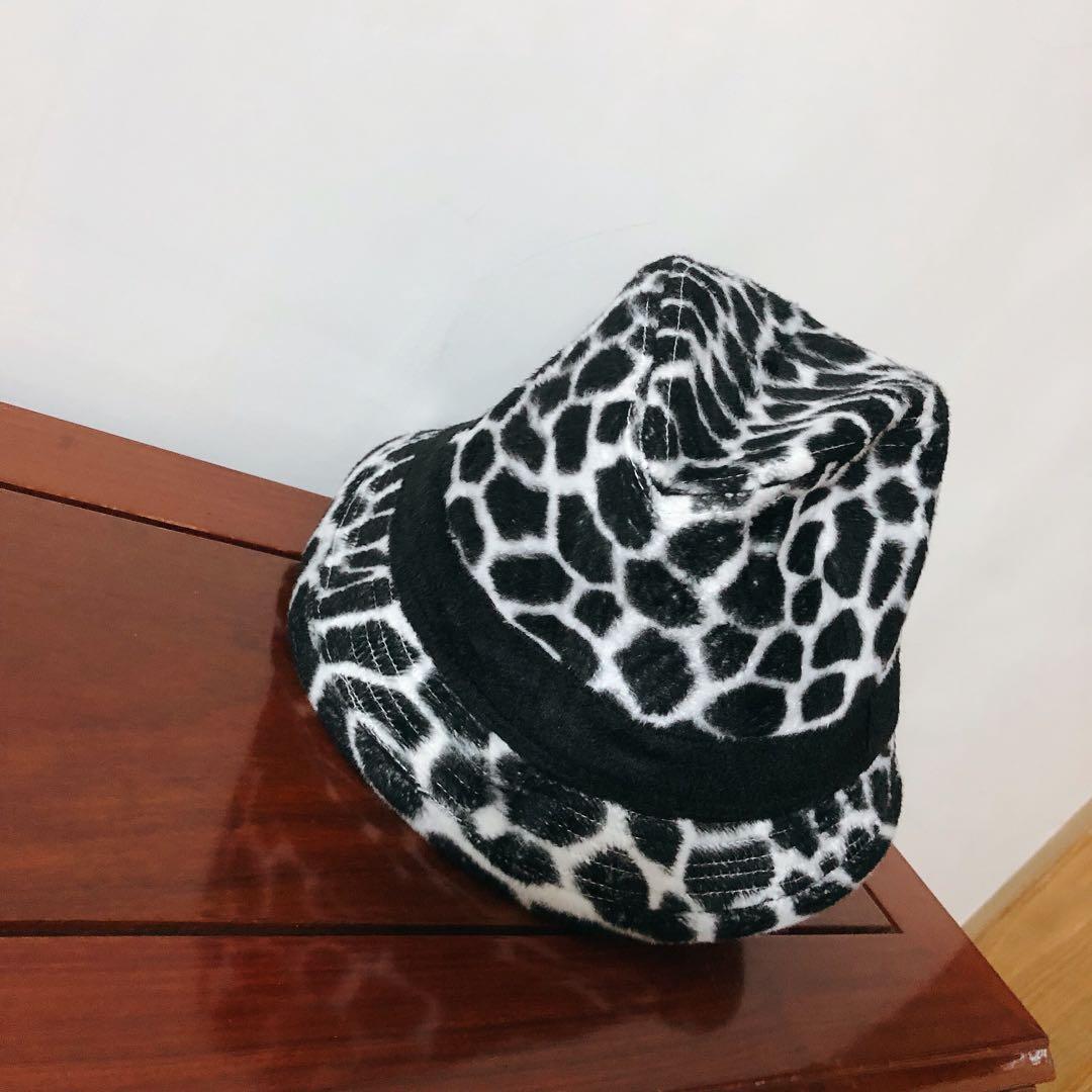 日本古著👉時尚斑馬紋率性紳士帽 絨毛 秋冬 個性 網紅著用