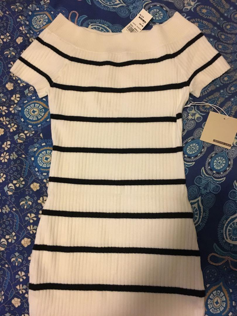 Bnwt white stripe off shoulder knit mini dress size M
