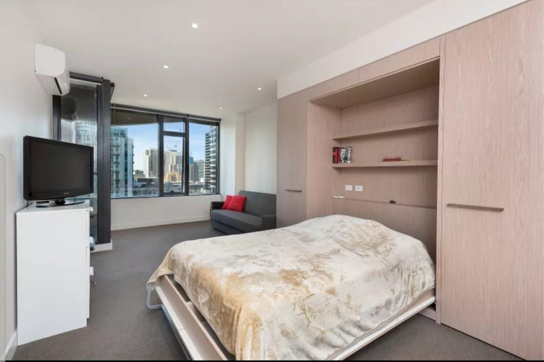 Melbourne CBD Studio Apartment for Rent - Partially Furnished