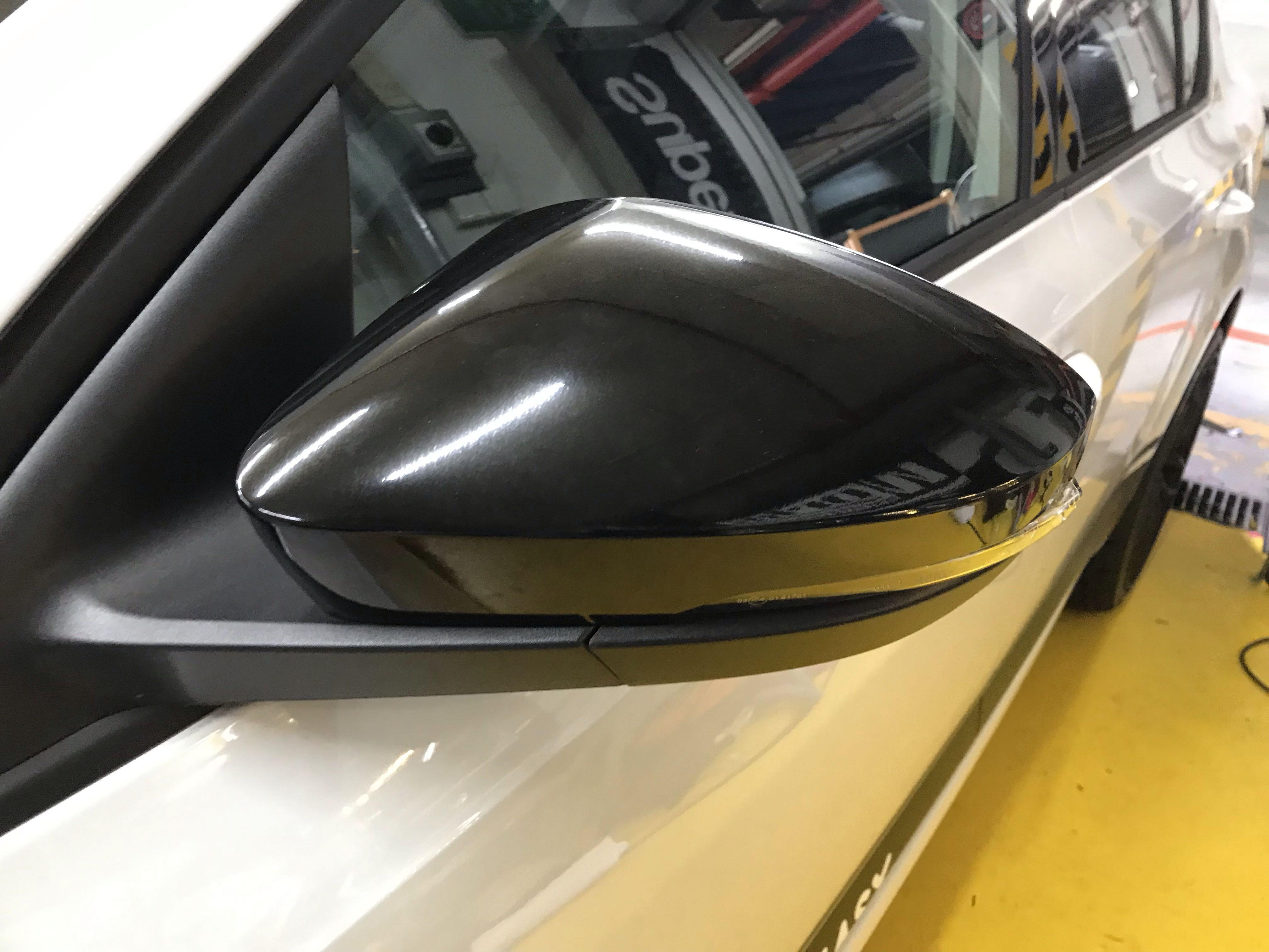 Skoda Octavia Side Mirror Gloss Black Wrap Car Accessories Accessories On Carousell