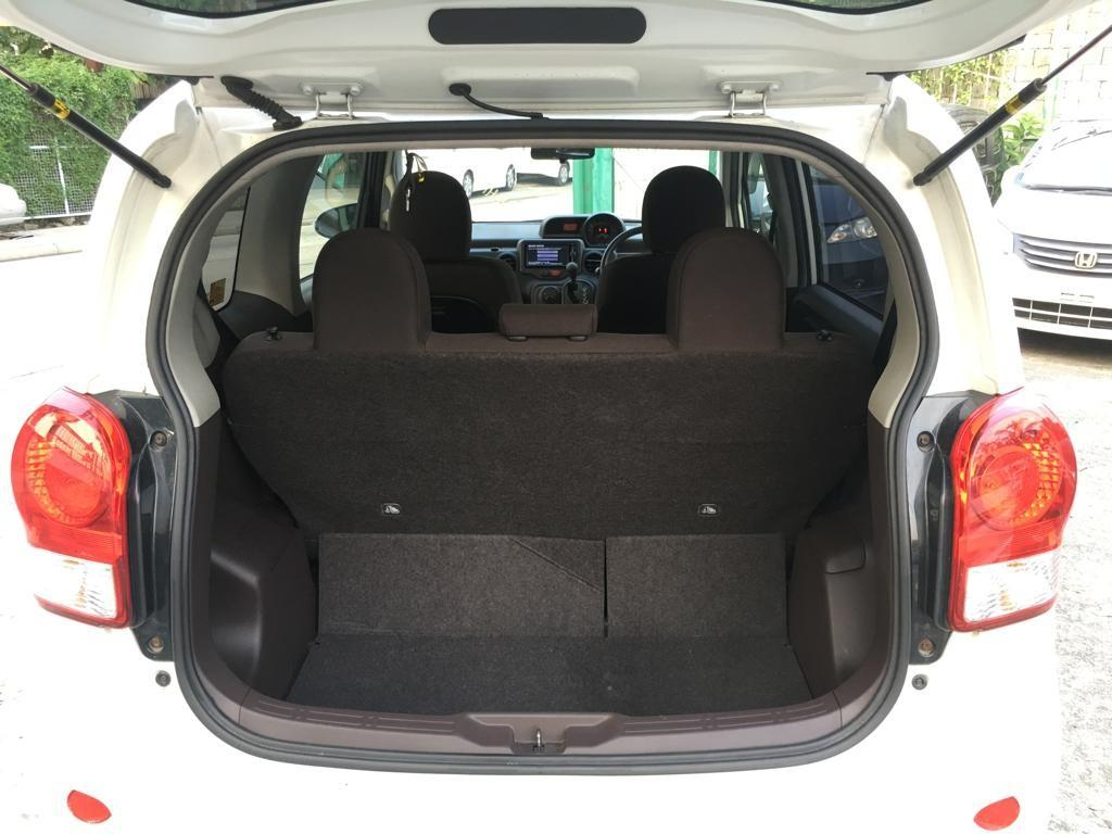 Toyota Porte 12' 白色