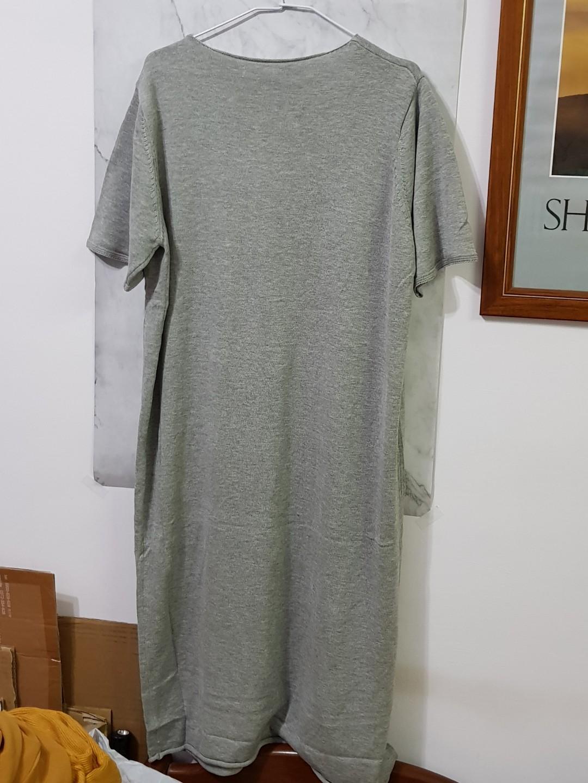 寬鬆V領短袖連身裙 - 灰