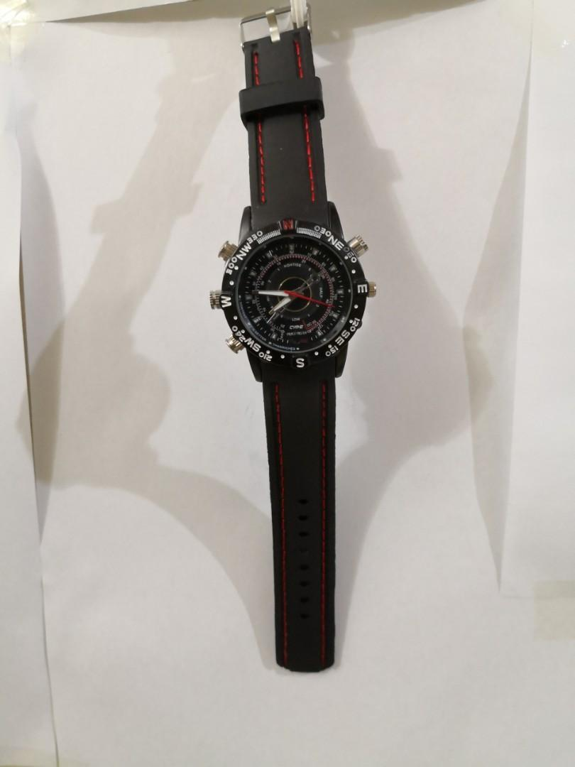 WATCH WITH CAMERA, MP3 AND RECORDER FUNCTION