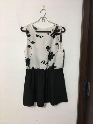 黑白花朵刺繡洋裝