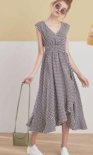 Lovfee 不規則裙擺V領格紋洋裝