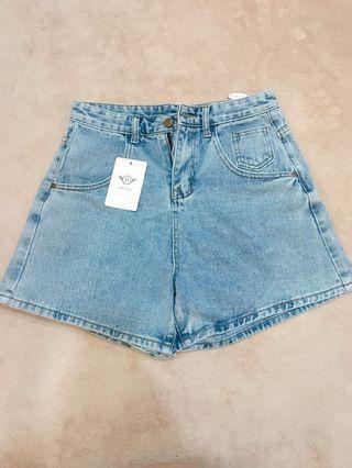 藍色丹寧牛仔短褲