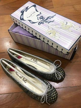 French sole shoes new