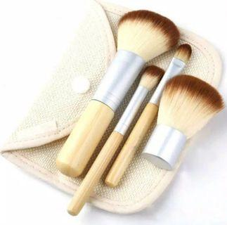 Brush make up