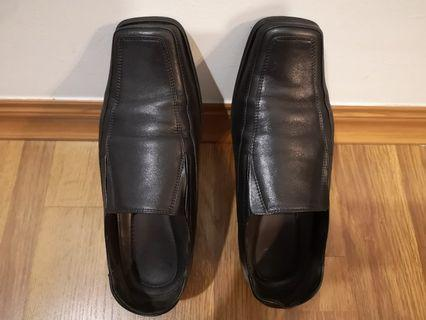Hush Puppies Black Formal Leather Shoes for men