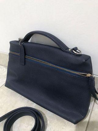 Clutch selempang navy