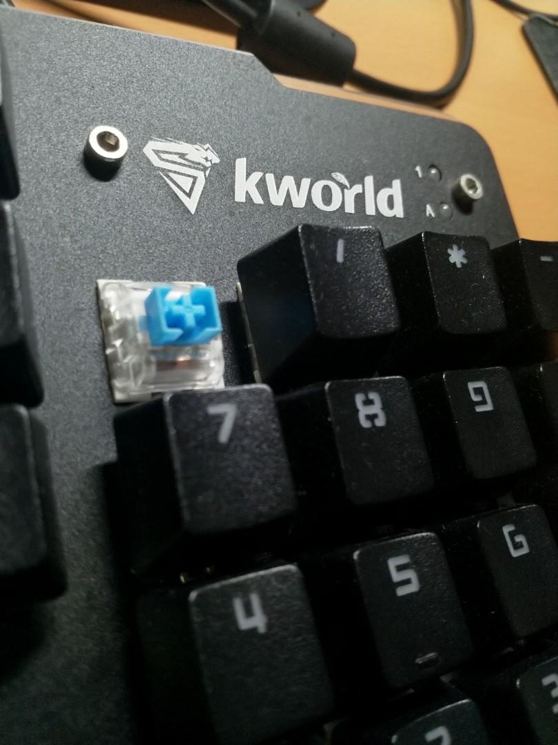 青軸機械鍵盤 全尺寸 便宜賣(按鍵偶有衝突)