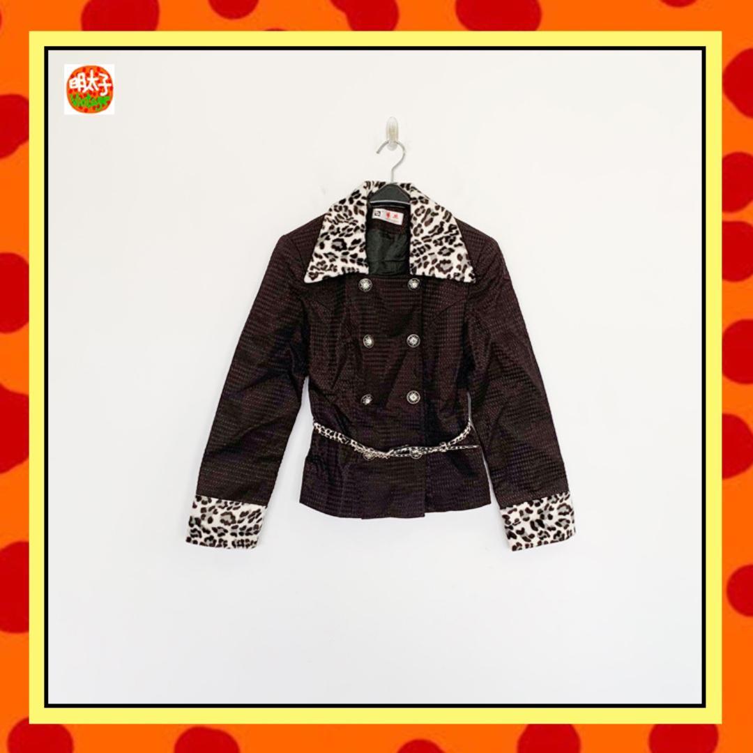 二手 黑色 拼短毛豹紋 雙排鑽釦 附一條腰帶 堅強女性硬挺材質 長袖 外套 明太子 B925
