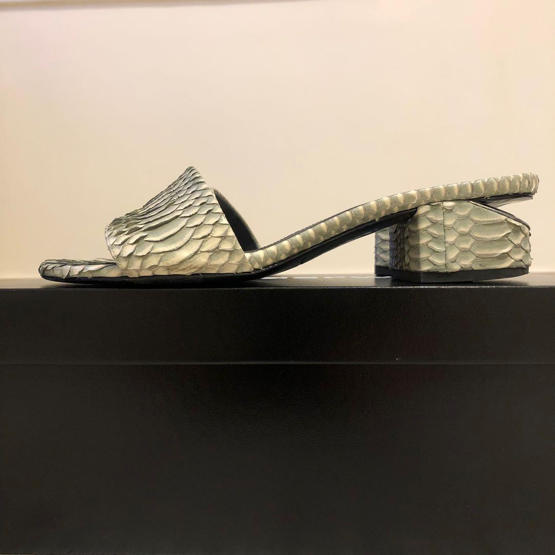Alexander Wang 灰綠色涼鞋